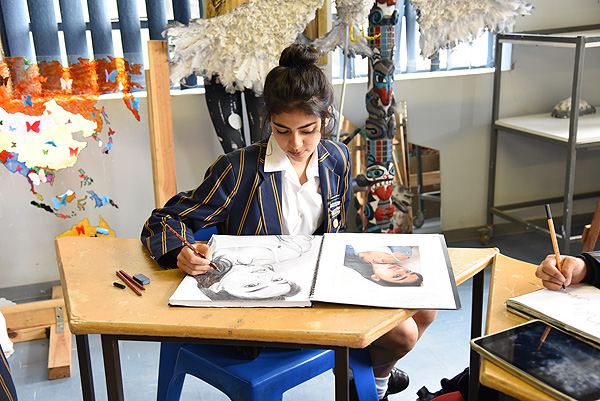 High School students study Visual Arts